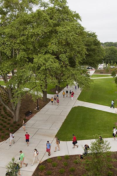 The quadrangle greenspace serves as the western gateway into UGAu0027s central precinct. The  Georgia Quad  incorporate tall canopy trees turf ... & Georgia Quad | University Architects