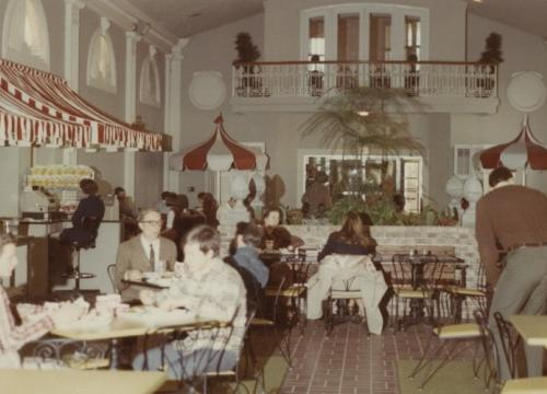 Snelling Dining Hall