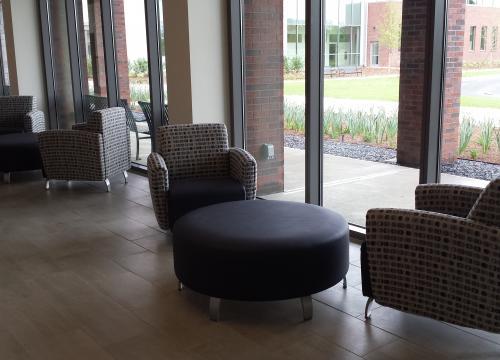 Veterinary Medicine Education Center Student Lobby/ Lounge
